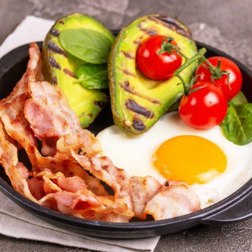 bacon-avocado-egg breakfast
