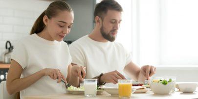food-couple-dinner