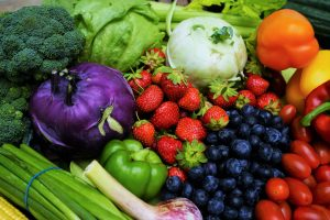 reduce cancer with vegetables and berries