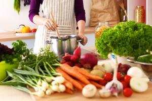eating healthy and low carb foods