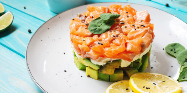 Try this quick and easy Smoked Salmon Tartar Recipe.