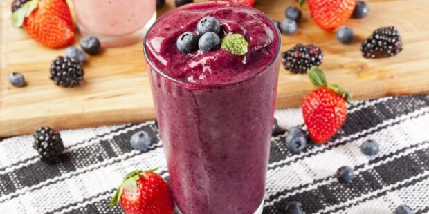 Try our delicious and easy berry breakfast smoothie with your favorite berries and protein.